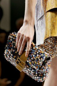 fendi-bauguette-con-paillettes-colorate