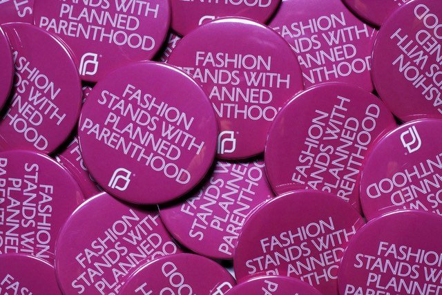 Fashion-Stands-with-PP